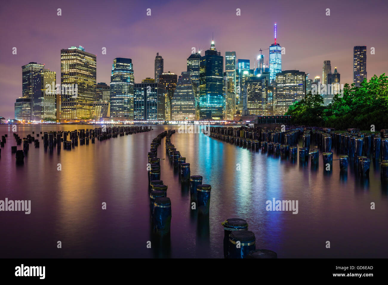 Brooklyn Bridge Park is an 85-acre park on the Brooklyn side of the East River in New York City. Stock Photo