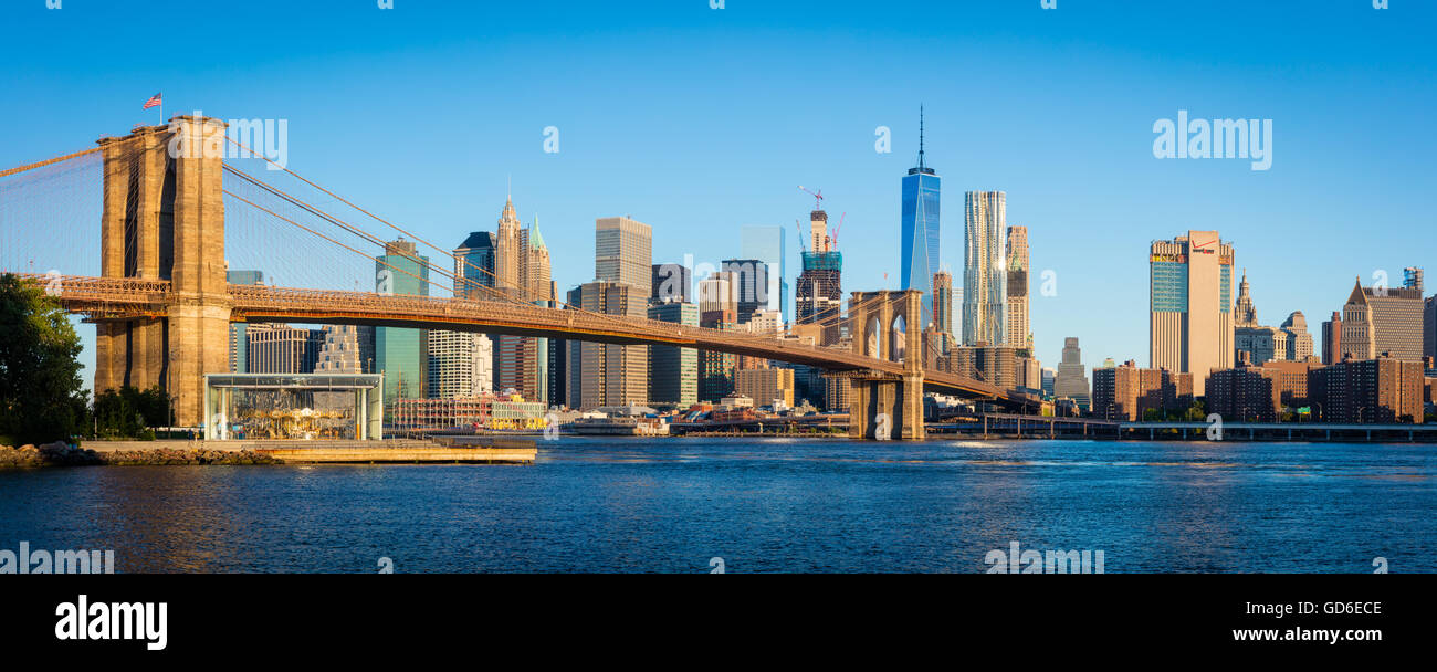 The Brooklyn Bridge in New York City is one of the oldest suspension bridges in the United States. - Stock Image