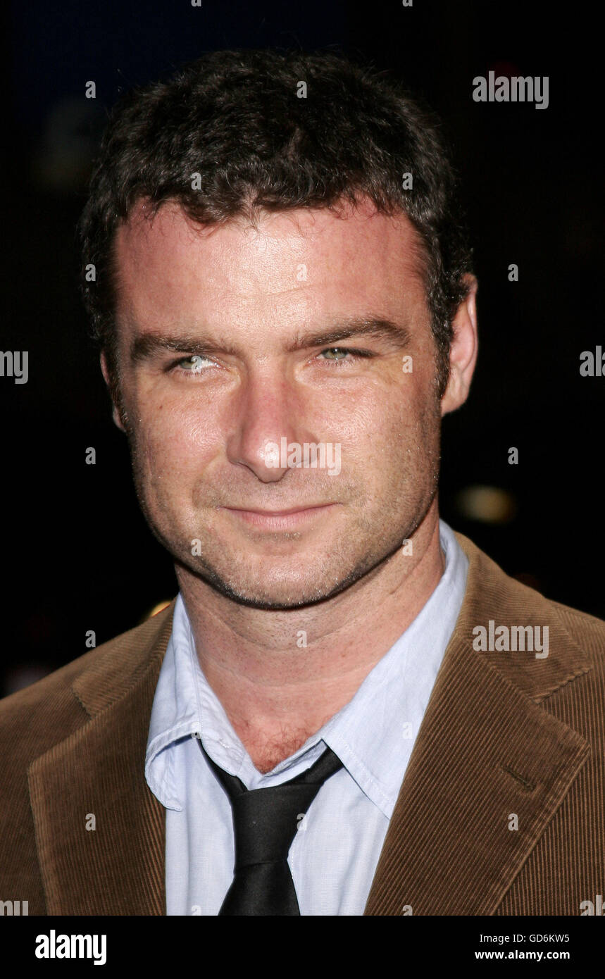 HOLLYWOOD, CALIFORNIA. Saturday November 11, 2006. Liev Schrieber attends the AFI Centerpiece Gala Screening of - Stock Image