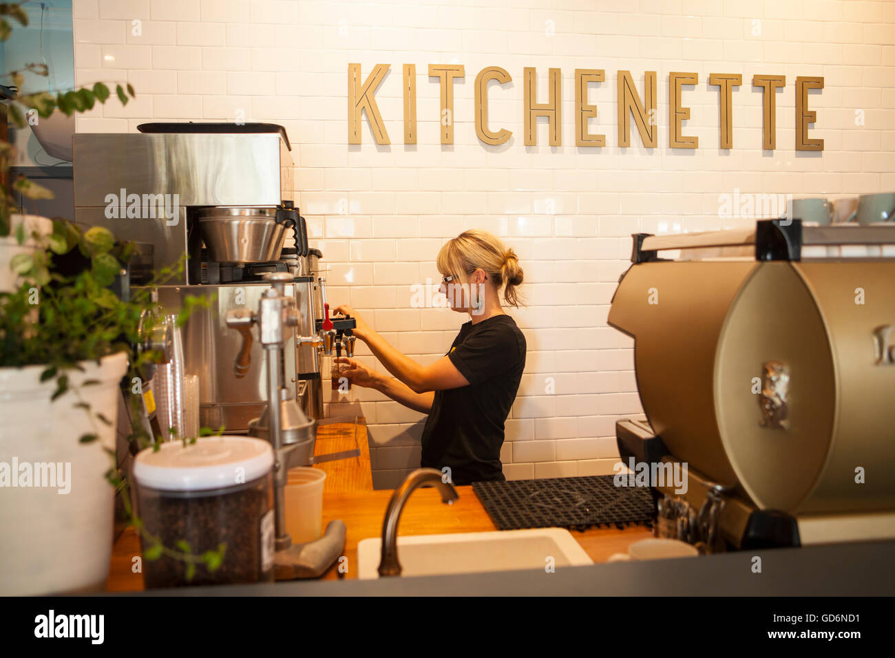 server, Kitchenette Restaurant, Templeton, California - Stock Image
