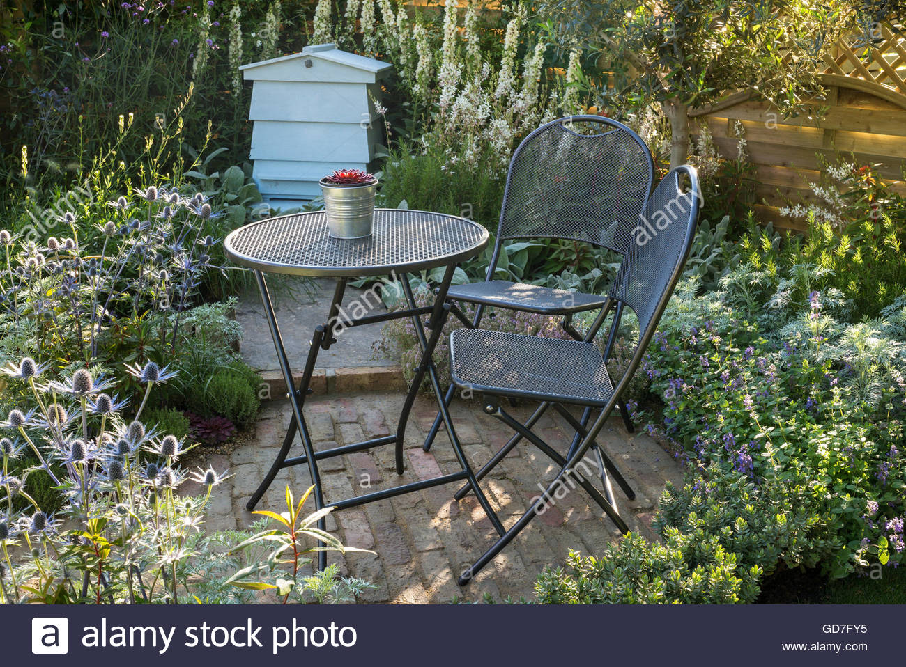 journal style outdoor chic the cottage pinterest shabby garden furniture pin