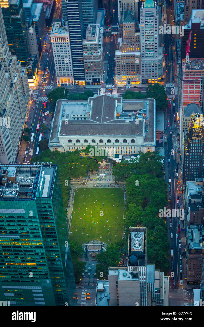 Bryant Park is a 9.603-acre privately managed public park located in the New York City borough of Manhattan - Stock Image