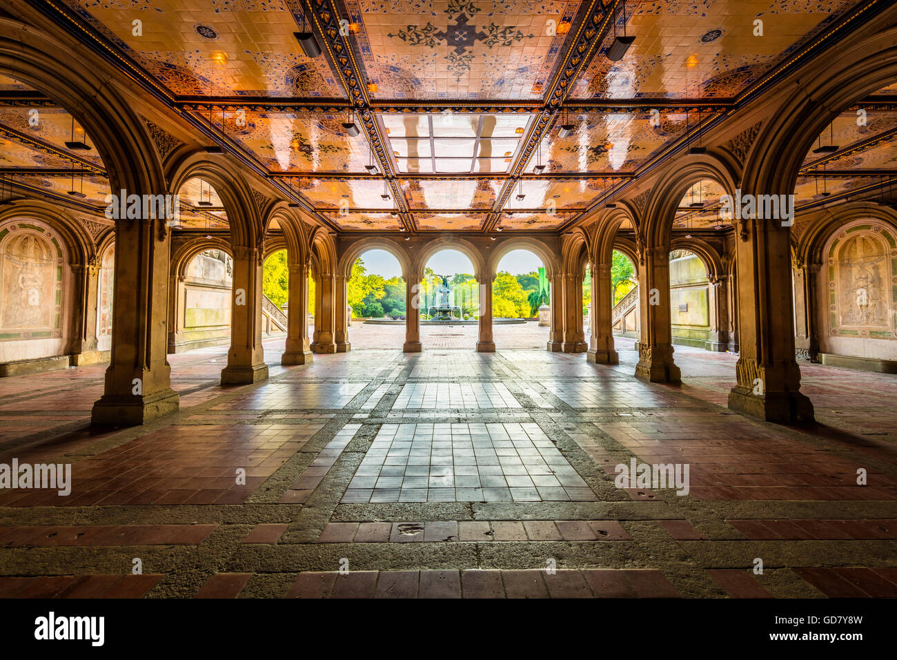 Bethesda Terrace and Fountain overlook The Lake in New York City's Central Park Stock Photo