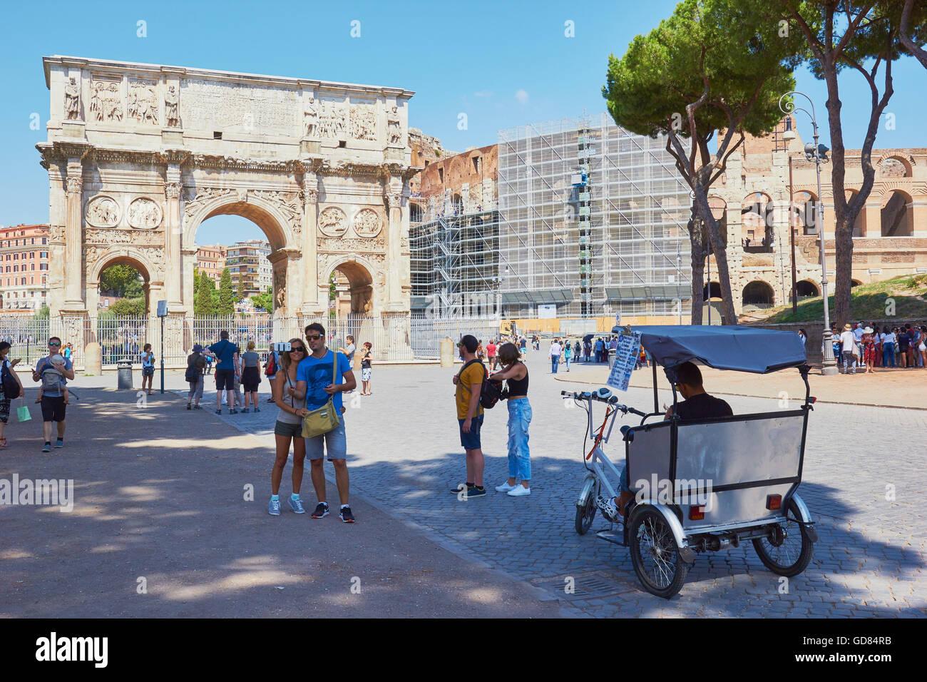 Arch of Constantine (Arco Di Costantino) and the Colosseum Rome Lazio Italy Europe - Stock Image
