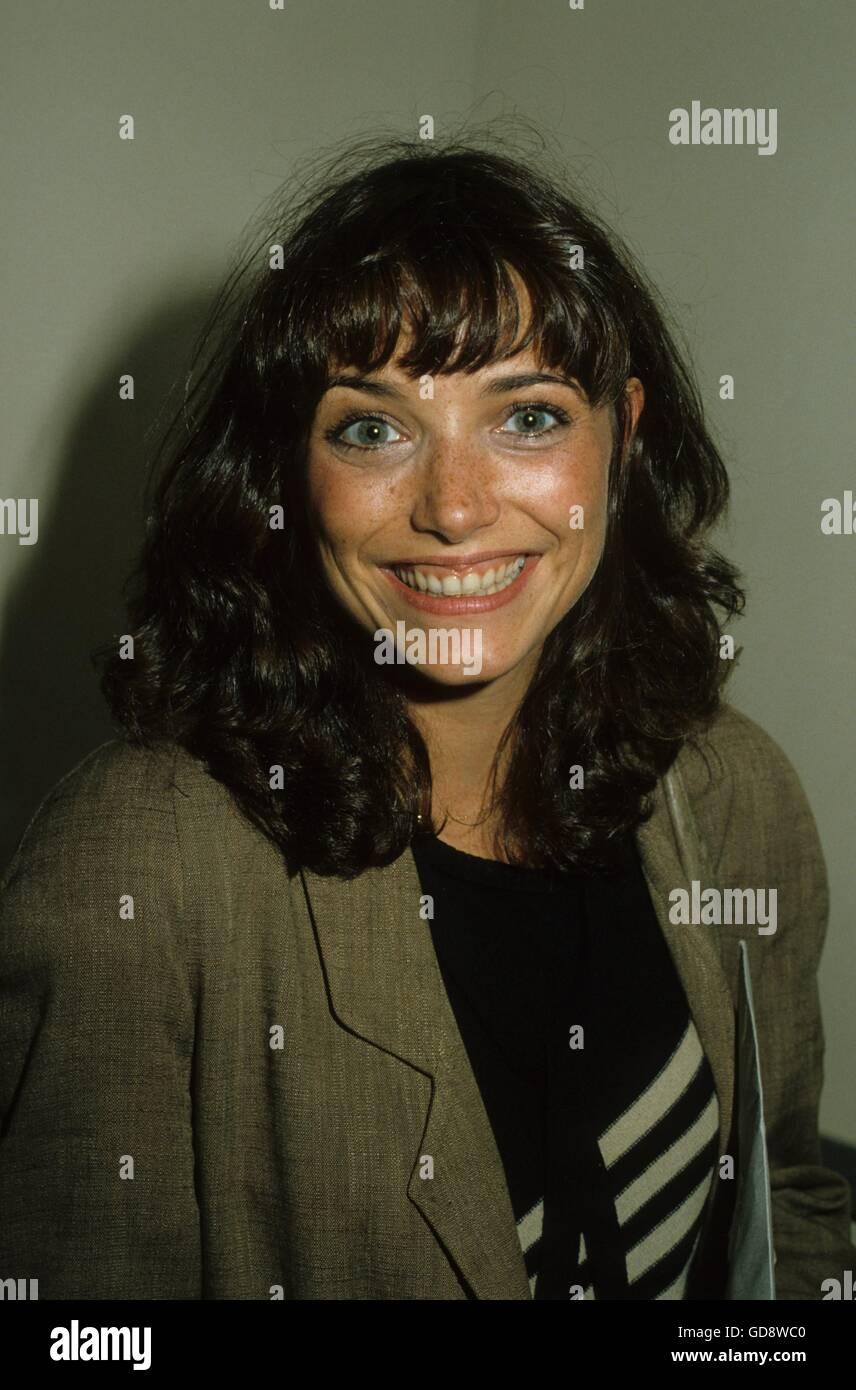 Alicia Minshew,Alina Puscau ROU XXX movies Kelly Macdonald,Valerie Curtin