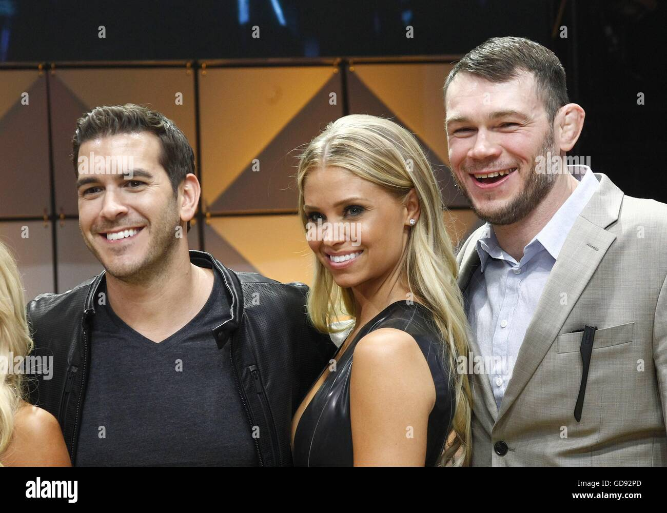 Rich Davis, Sara Hoots, Forrest Griffin in attendance for Hooters 20th Annual International Swimsuit Pageant, The - Stock Image
