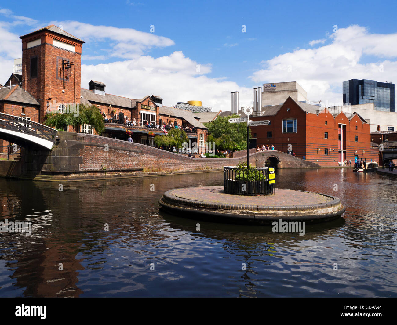 Busy Pub at Old Turn Junction on the Birmingham Canal Birmingham West Midlands England - Stock Image