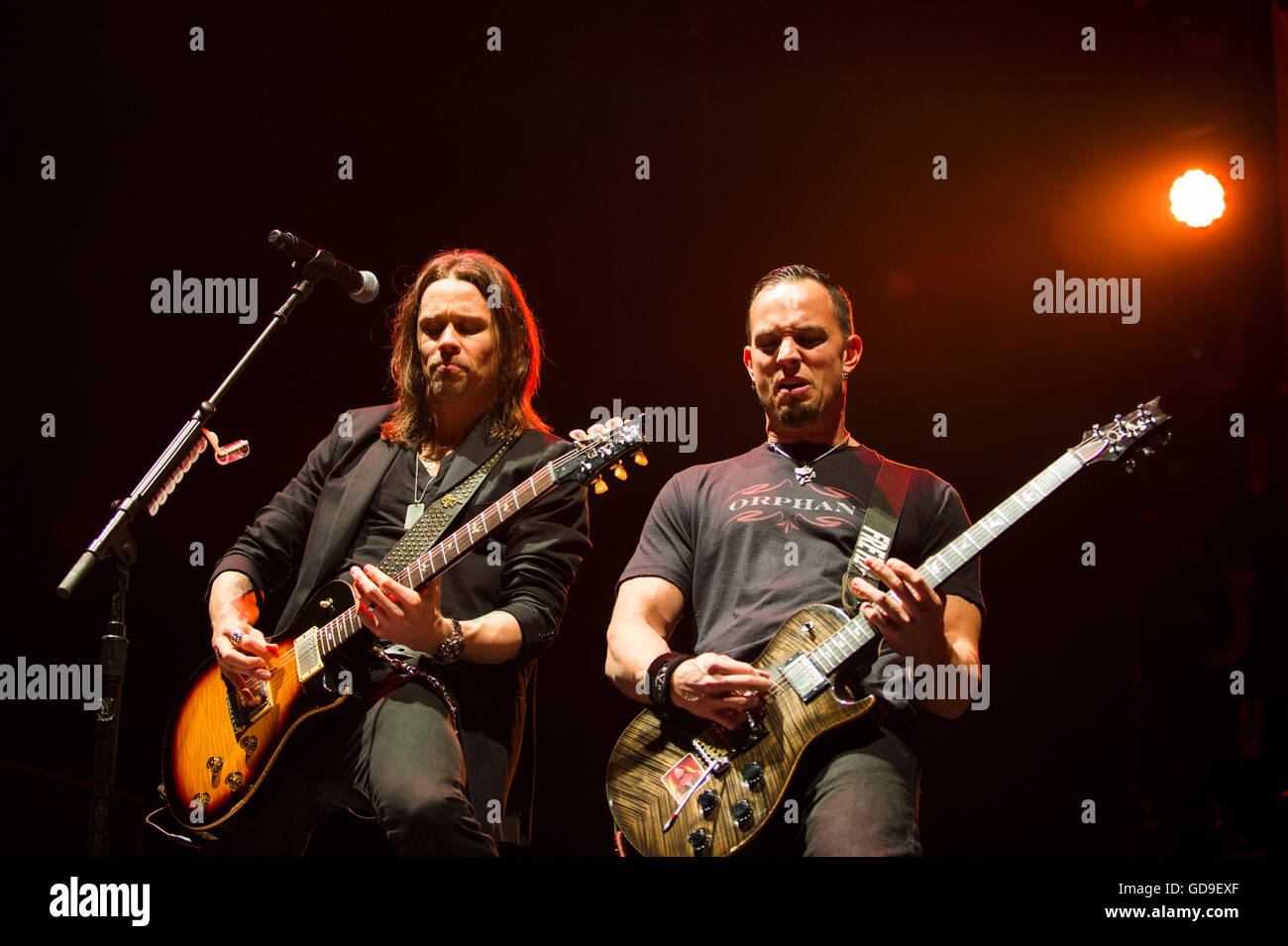Glasgow, Scotland, Uk - October 13, 2013: Myles Kennedy and Mark Tremonti of American rock band Alter Bridge - Stock Image