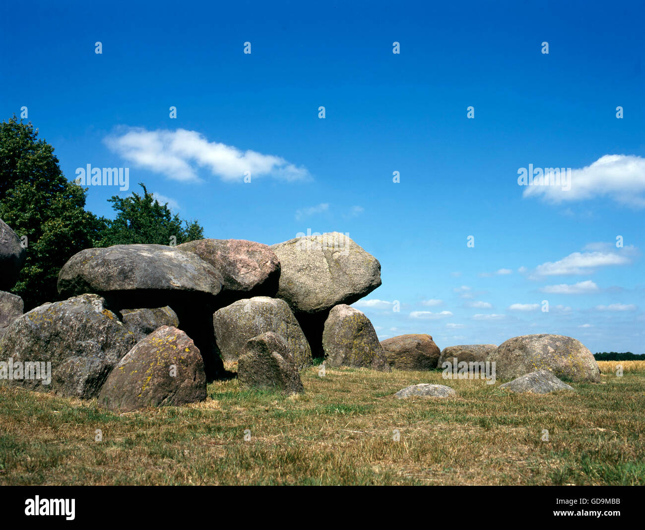 Old stone grave like a big dolmen in Drenthe Holland. It is called in Dutch a Hunnebed - Stock Image