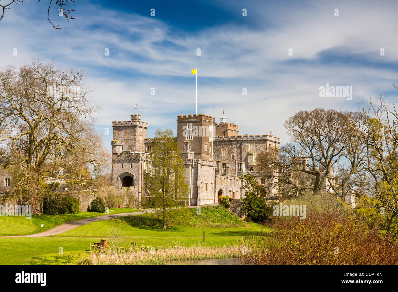 The lake at Powderham Castle, home to the Earls of Devon in Kenton, near Exeter, Devon, England, UK - Stock Image