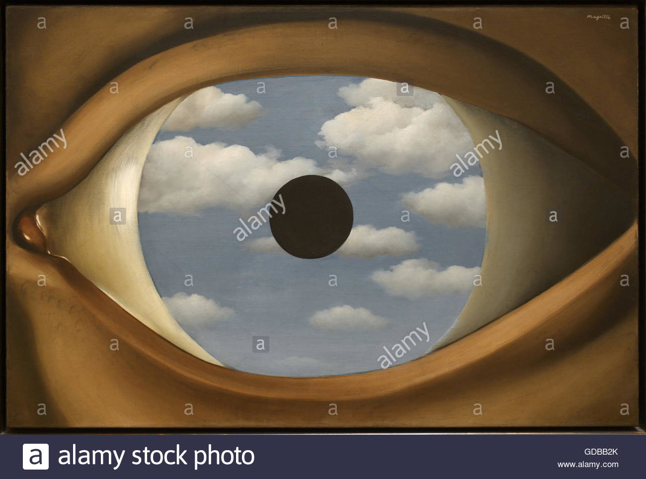 The False Mirror (Le Faux Miroir), 1928, Rene Magritte image of an eye with clouds - Stock Image