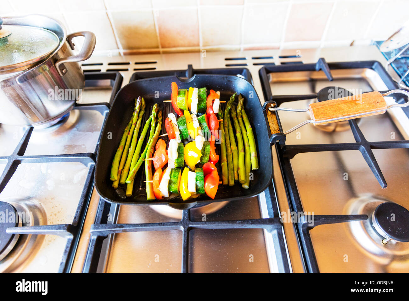 how to cook asparagus on a griddle
