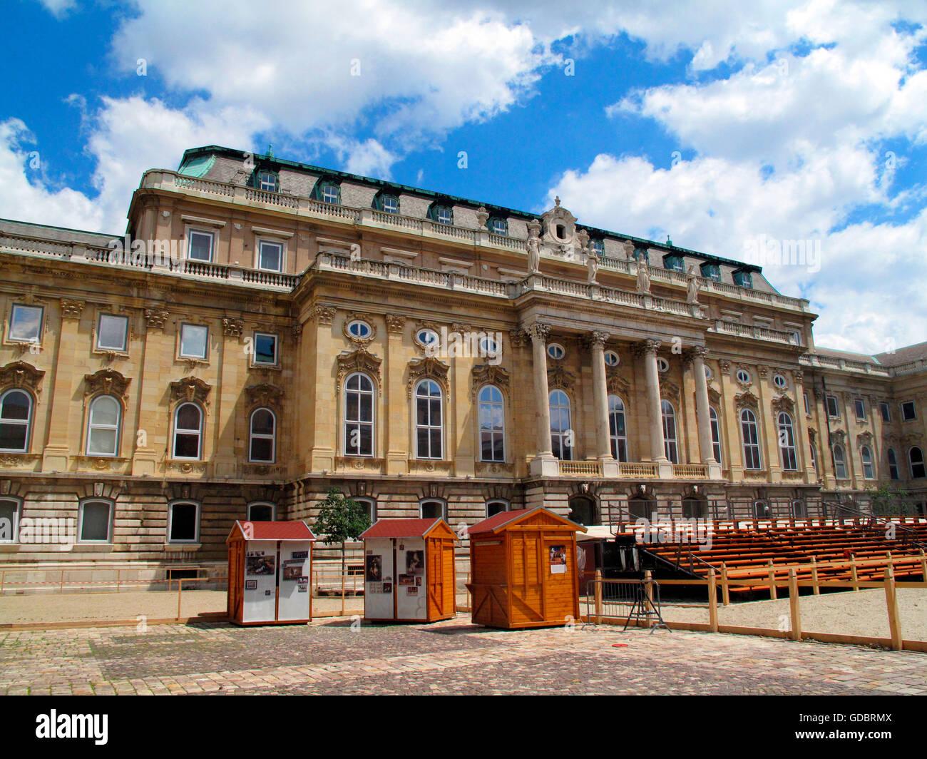 Budapest royal palace lesbian 13
