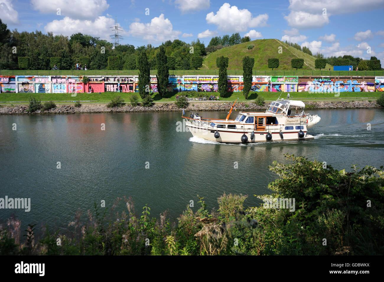 Rhine-Herne canal, North Star park, Gelsenkirchen, Ruhr area, North Rhine-Westphalia, Germany / Nordsternpark - Stock Image
