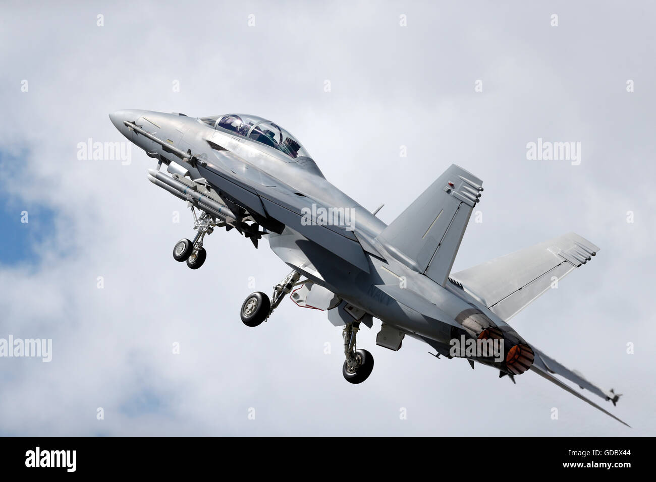 F/A-18E/F Super Hornet flies during The Farnborough International Airshow July 2016 Stock Photo