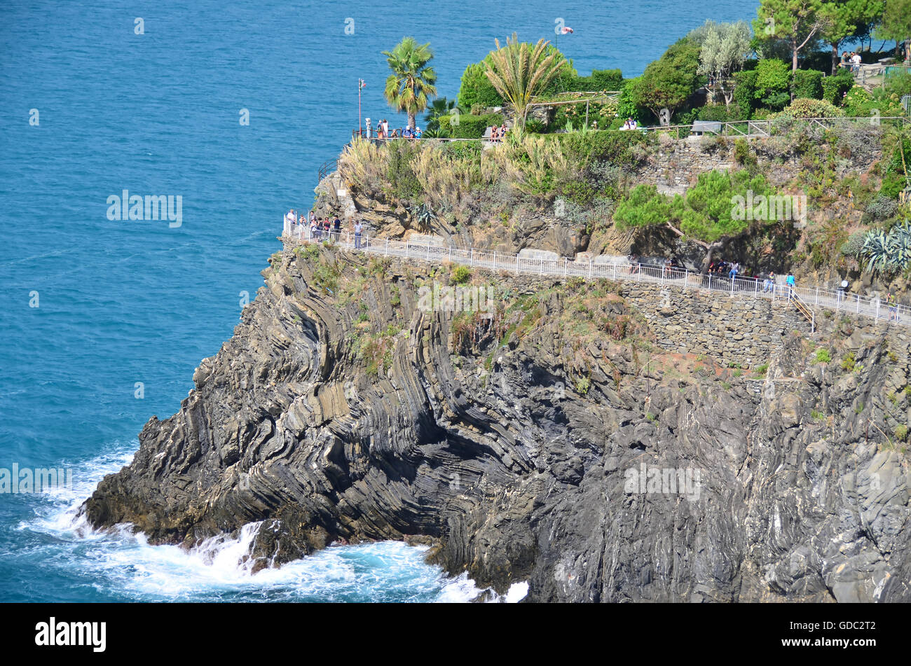 The popular coastal path linking the villages in the Cinque Terre on Italy's Ligurian coast Stock Photo