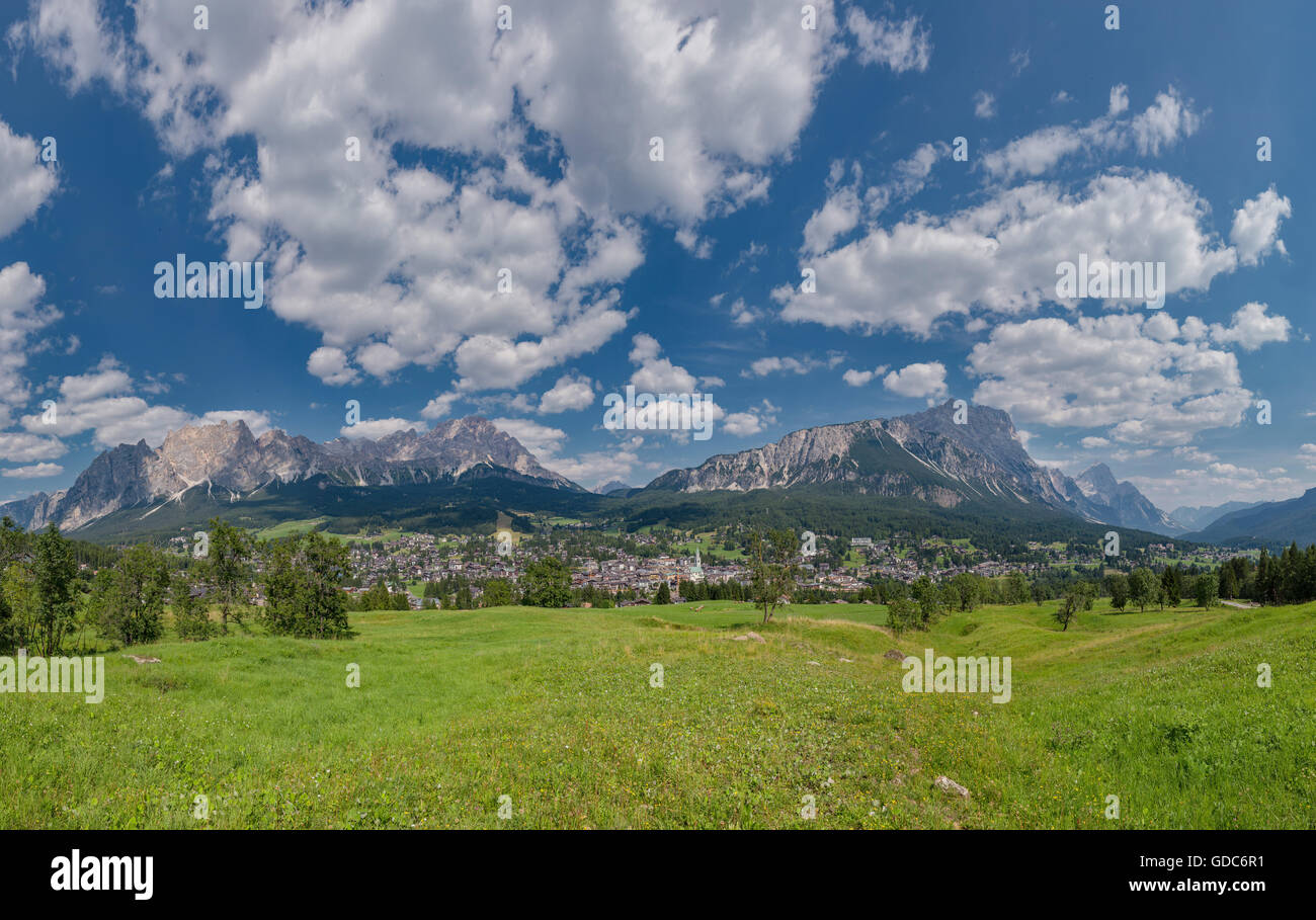 Cortina d'Ampezzo,Italia,Panoramic view at the city and the Dolomite mountains,Pomagagnon,Croda Marcora - Stock Image