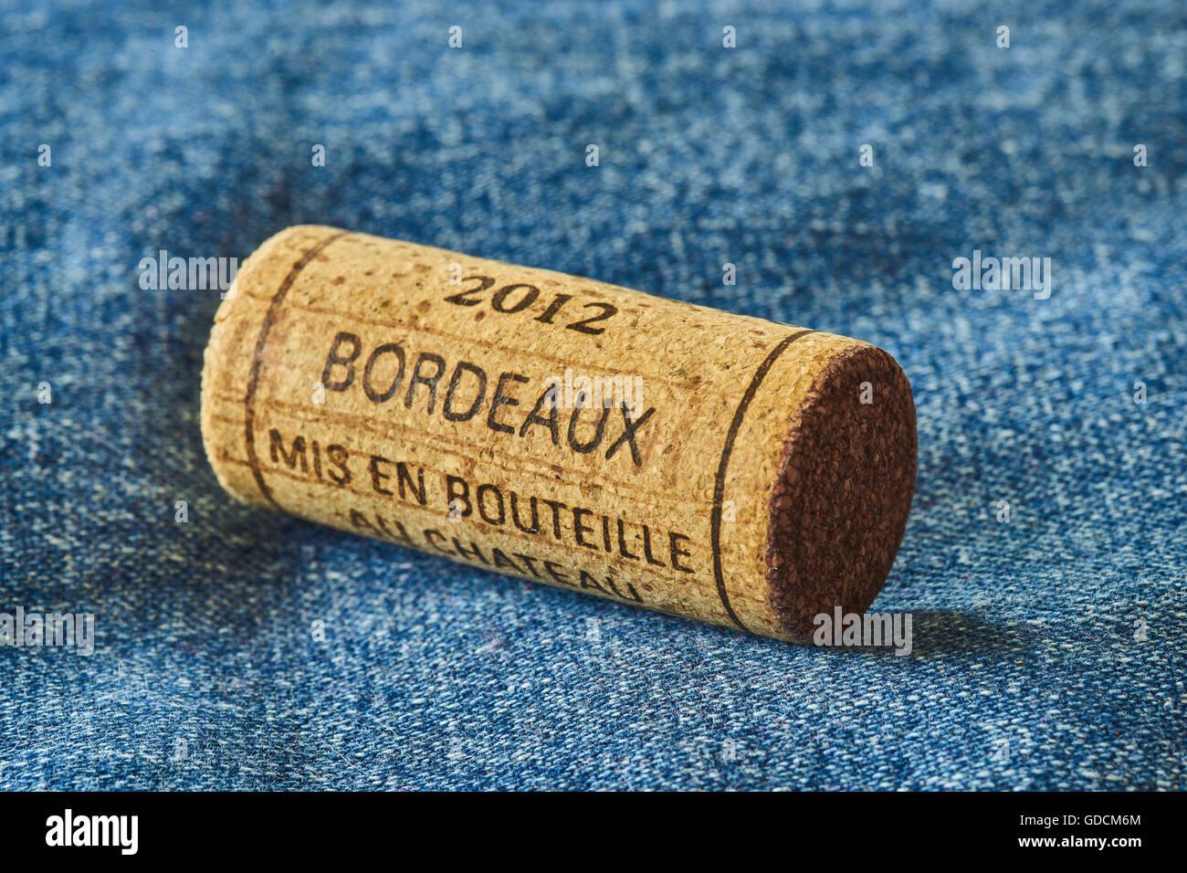 Bordeaux 2012 french wine cork stopper - Stock Image