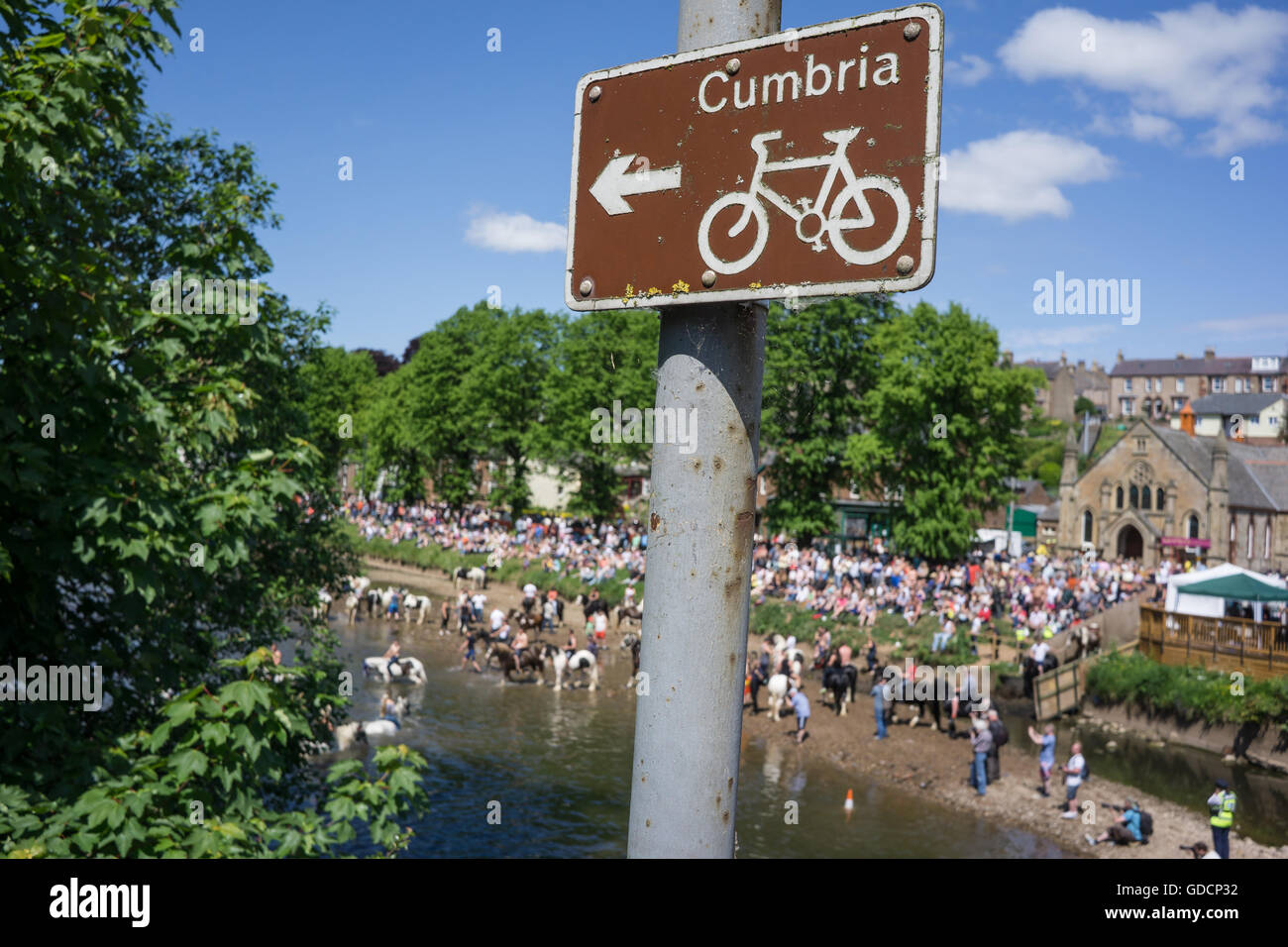 A cycleway sign in Appleby, Cumbria - Stock Image