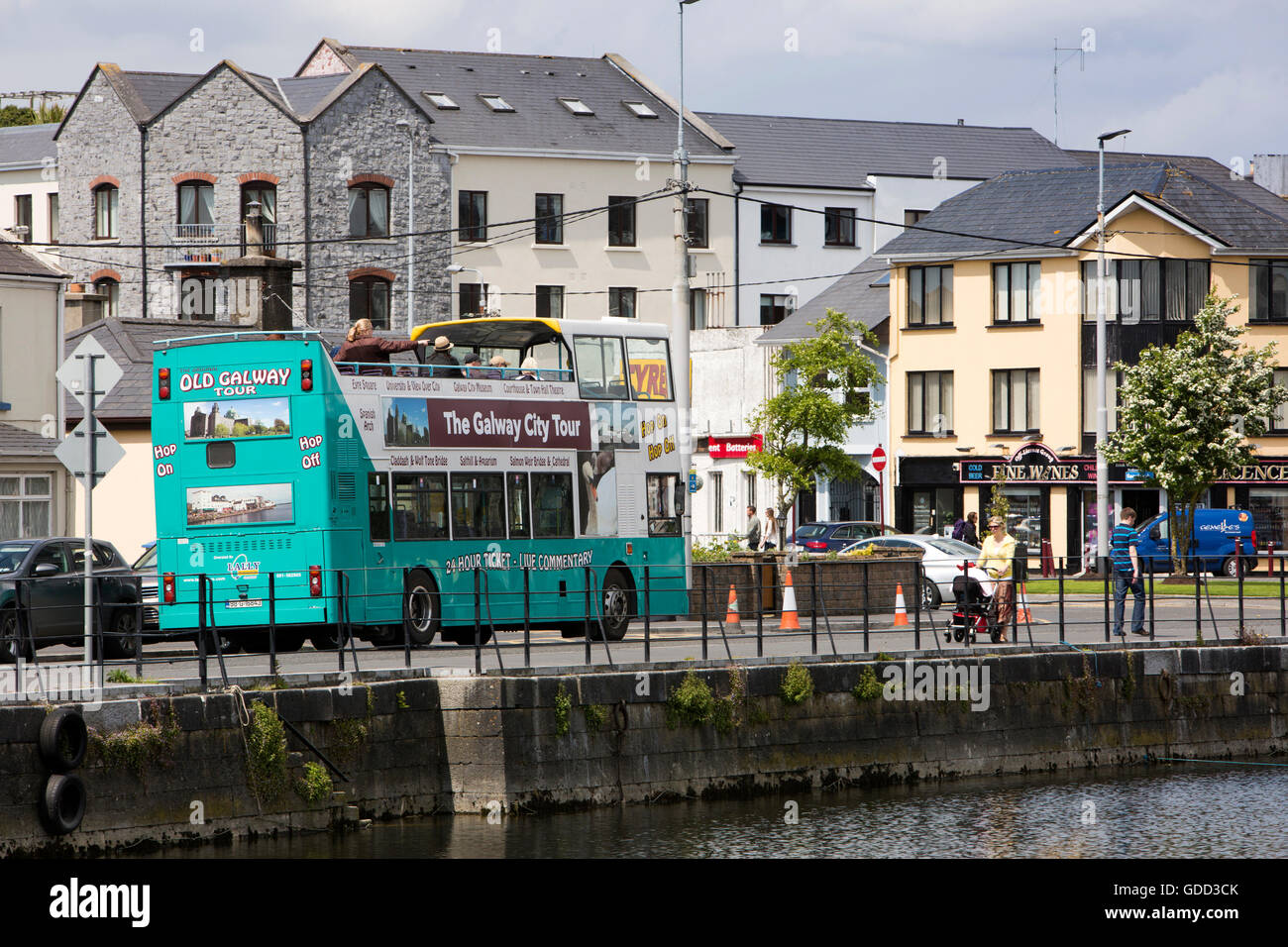 Ireland, Co Galway, Galway, Claddagh Quay, old Galway city tour open topped bus - Stock Image