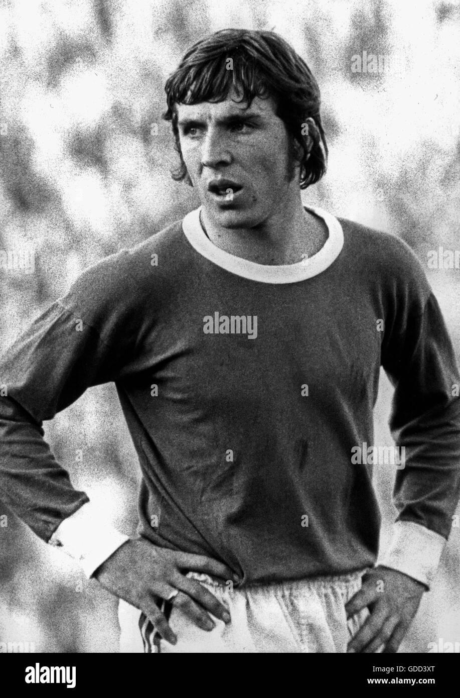 Fischer, Klaus, * 27.12.1949, German football player, striker for FC Schalke 04 1970 - 1981, half length, during - Stock Image