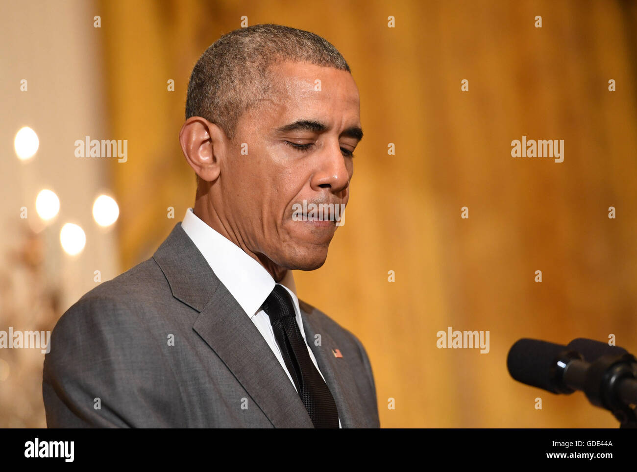 Diplomatic Reception Room White House Stock Photos 4 You Choir Collar Dress Orange Putih United States President Barack Obama Speaks About The Recent Terrorist Attack In Nice France