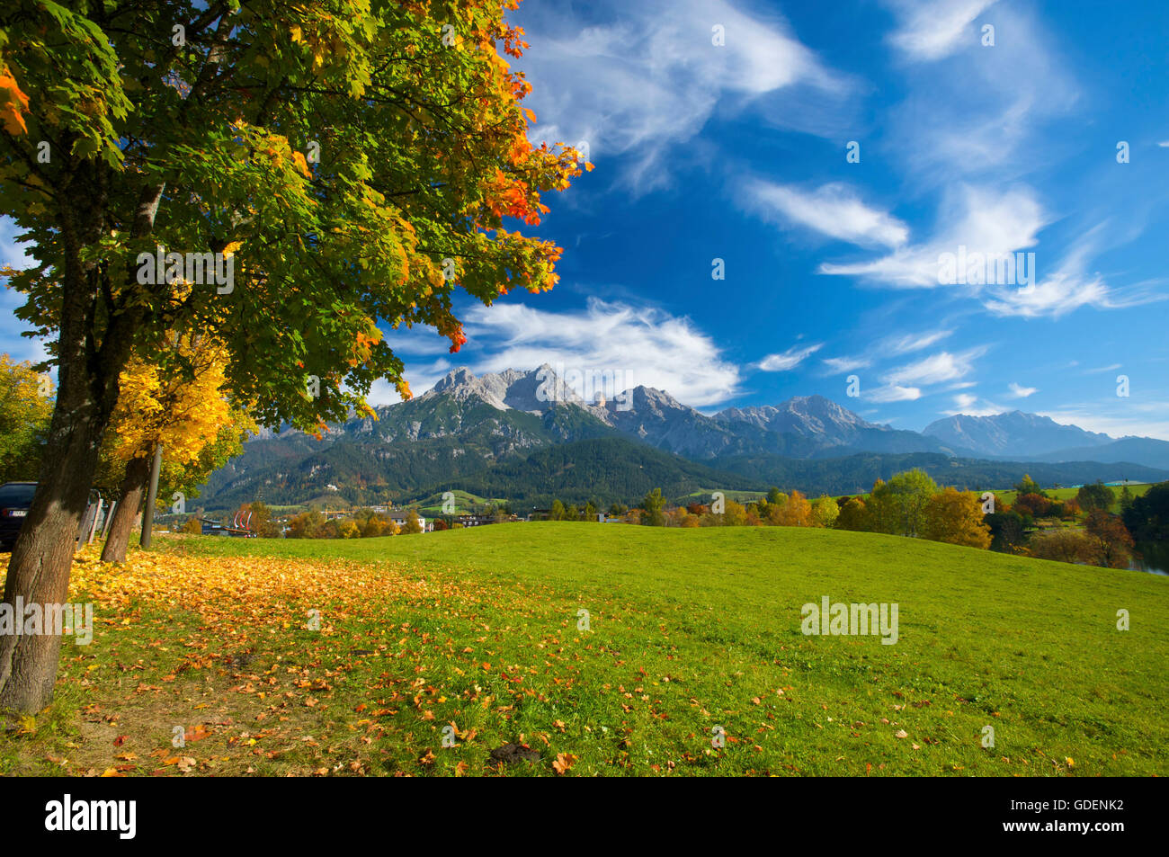 Blick von Saalfelden auf das Steinerne Meer, Pinzgau im Salzburger Land, Austria - Stock Image
