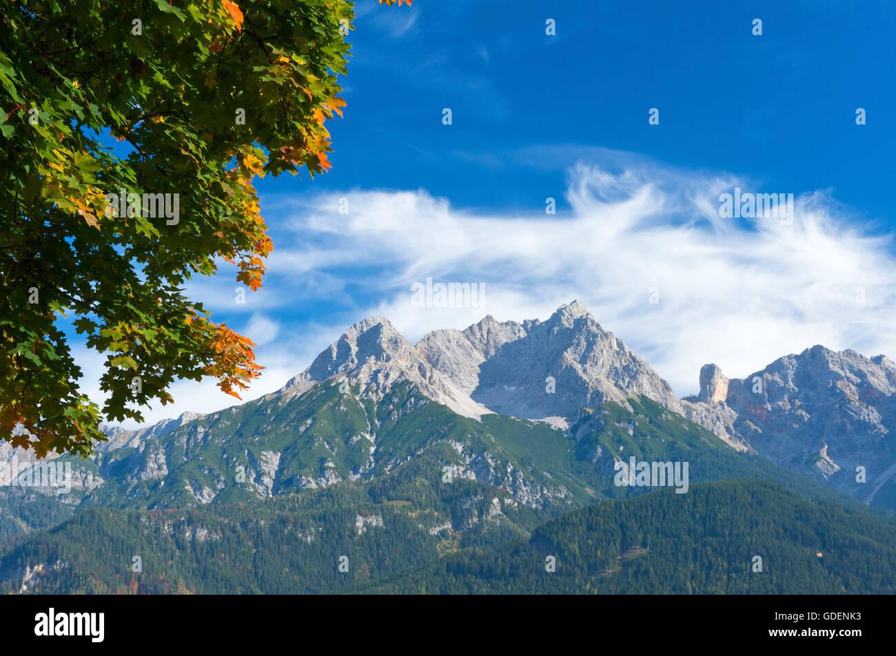 Blick von Saalfelden auf das Steinerne Meer, Pinzgau im Salzburger Land, Austria Stock Photo