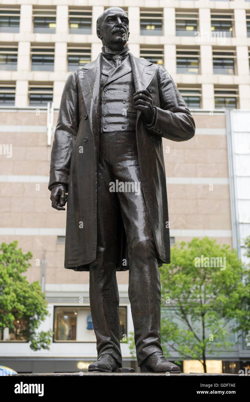 Sir Thomas Jackson, Bart statue at Statue Square, Central, Hong Kong China. - Stock Image