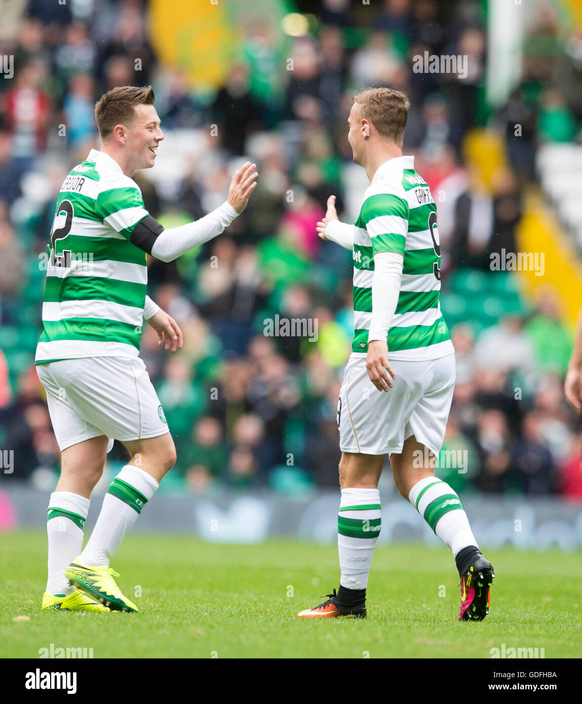 Celtic's Callum McGregor (left) celebrates scoring his side's first goal of the game with Leigh Griffiths - Stock Image