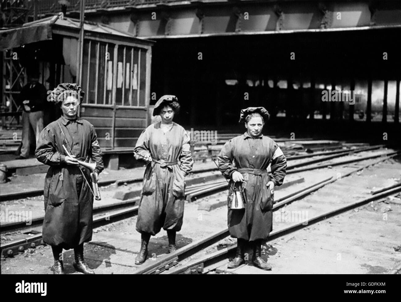 First world war french women greasing the gare du nord railway tracks in paris about 1917