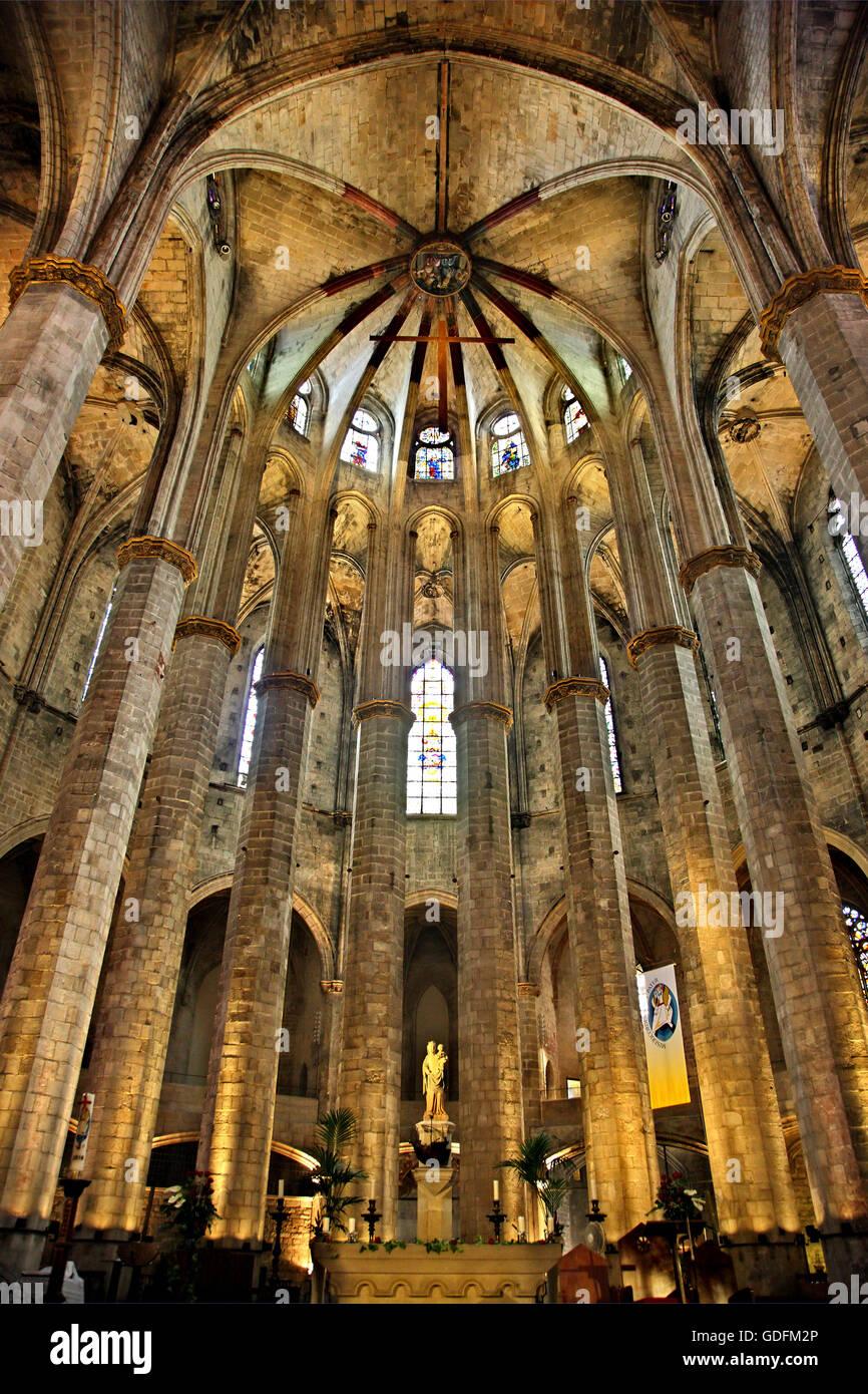 Inside Santa Maria del Mar, Barcelona, Catalonia, Spain - Stock Image
