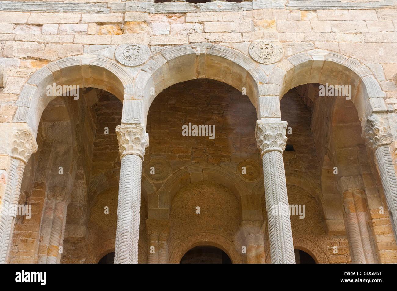 Arches, Santa Maria del Naranco church. Oviedo, Asturias, Spain. - Stock Image