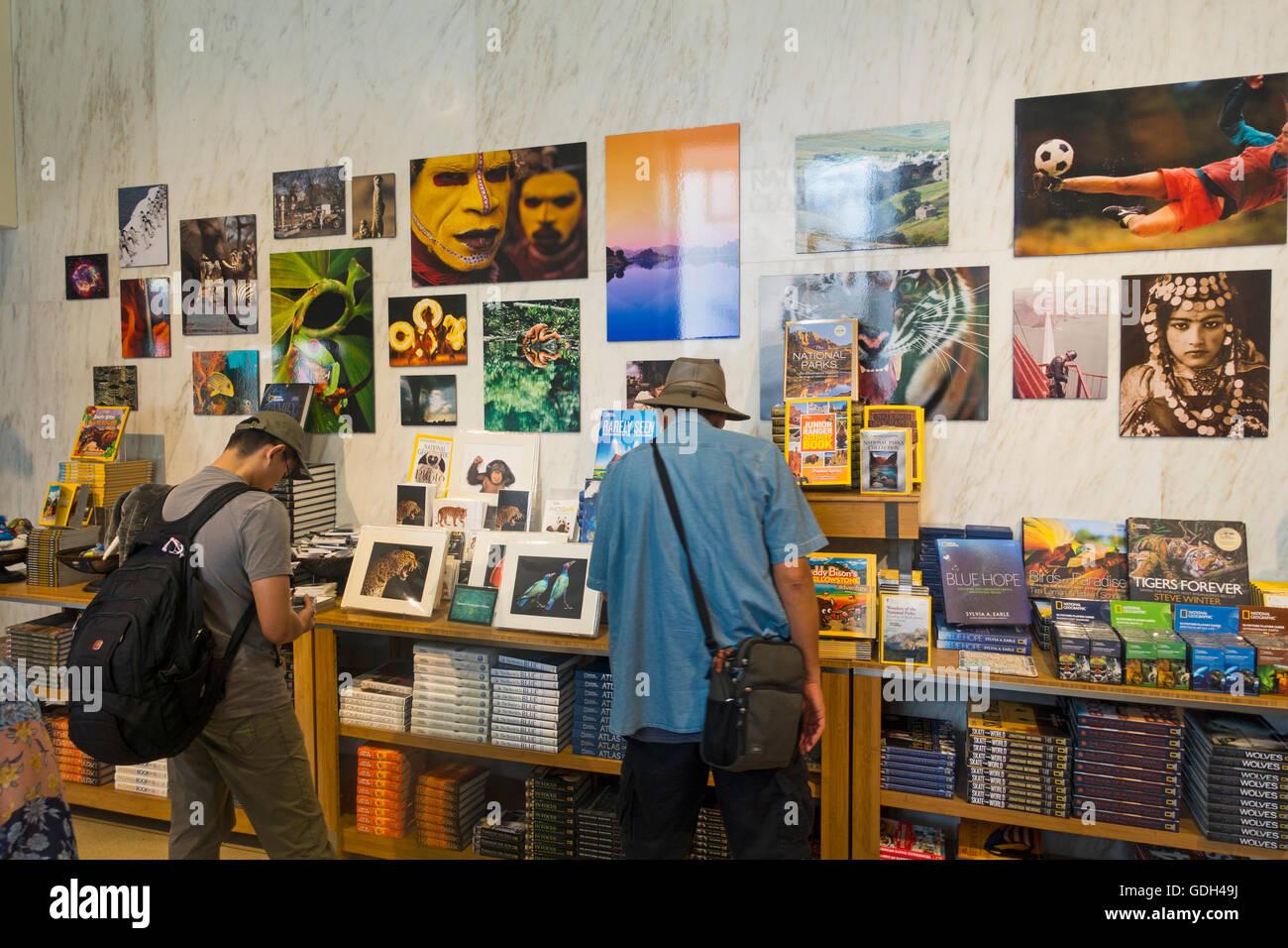 National Geographic Society Washington DC people - Stock Image