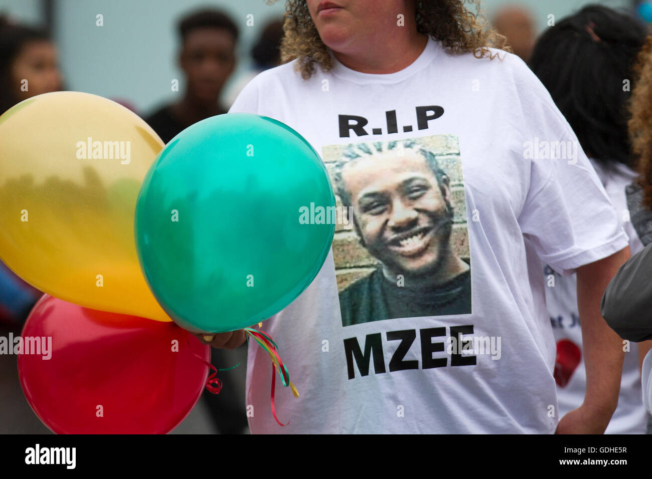 Liverpool, Merseyside, UK. 16th July, 2016. Mzee Mohammed Protest. Family and mourners protest through the streets - Stock Image