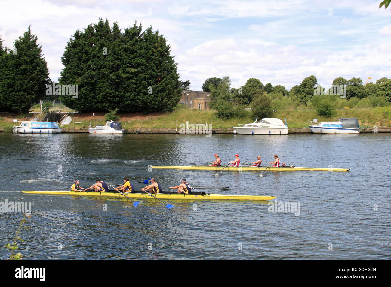 Ardingly Rowing Club (near) and Marlow Rowing Club MasD-F.4+ FINAL. Molesey Amateur Regatta, 16th July 2016, River - Stock Image