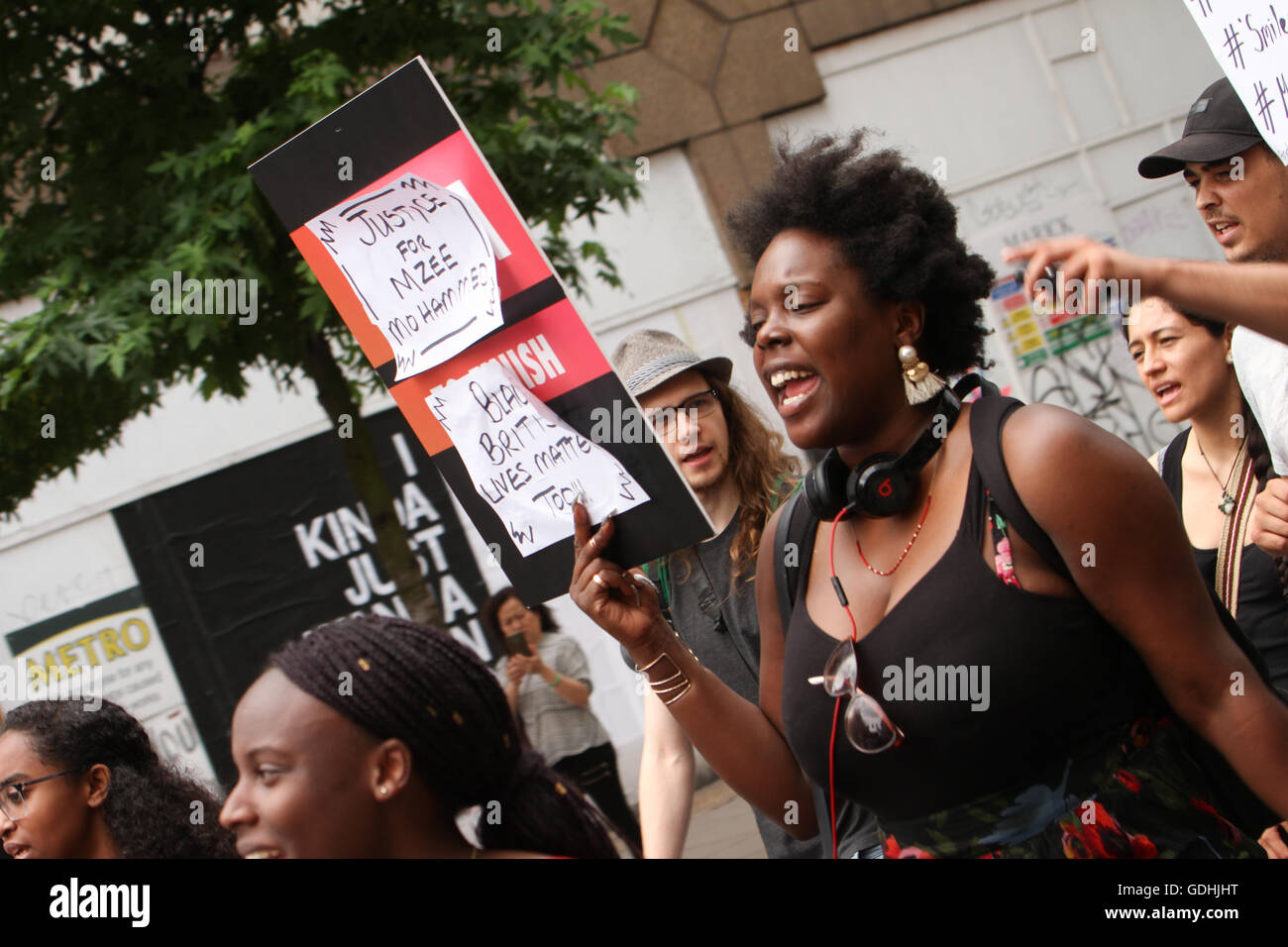 London, UK. 17th July, 2016 Black Lives Matter protesters took to Oxford Street for a solidarity march for Mzee - Stock Image