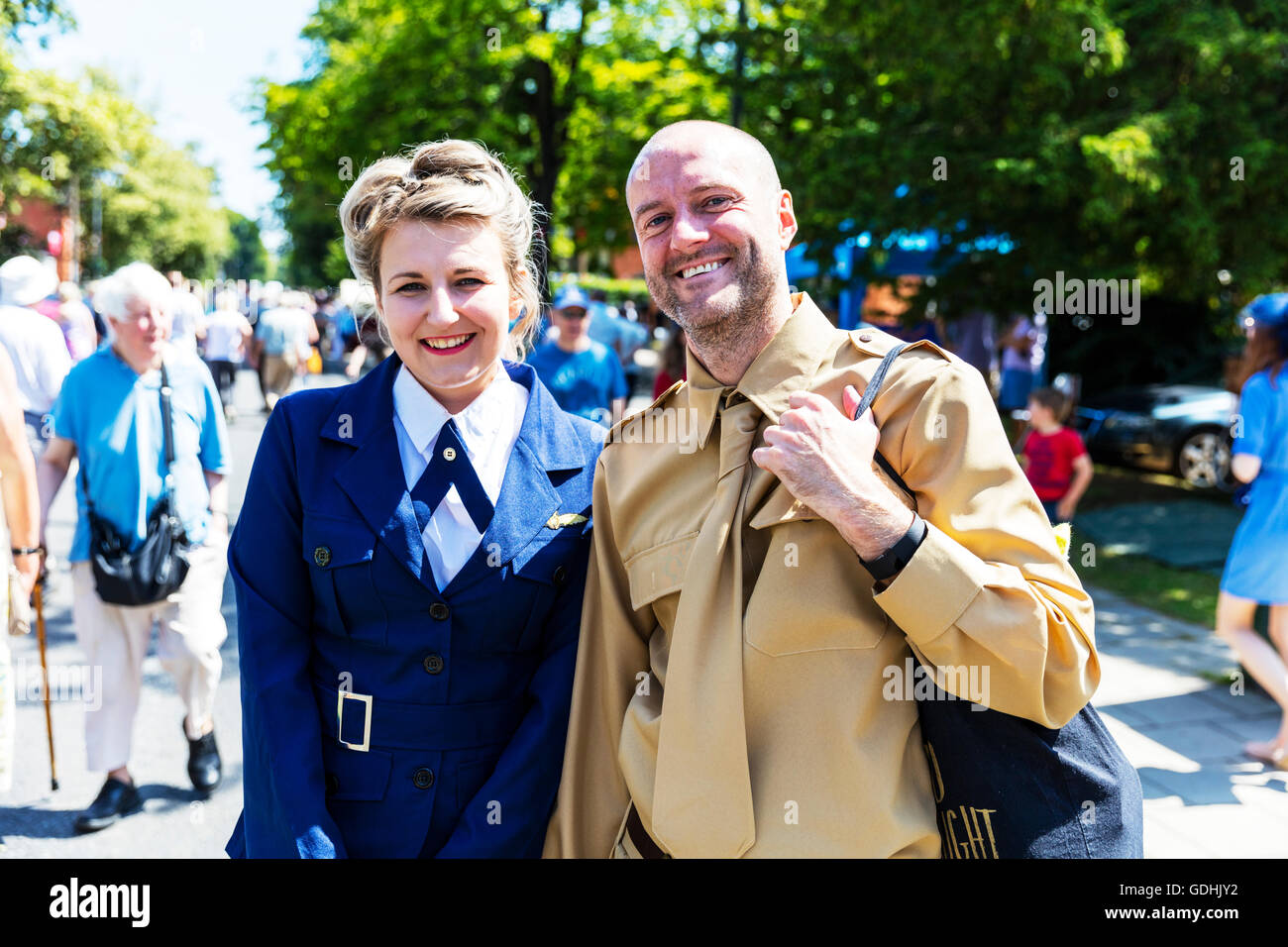 US air force woman army man sweethearts uniforms 1940's Weekend at Woodhall Spa Lincolnshire UK England on 17/07/2016 - Stock Image