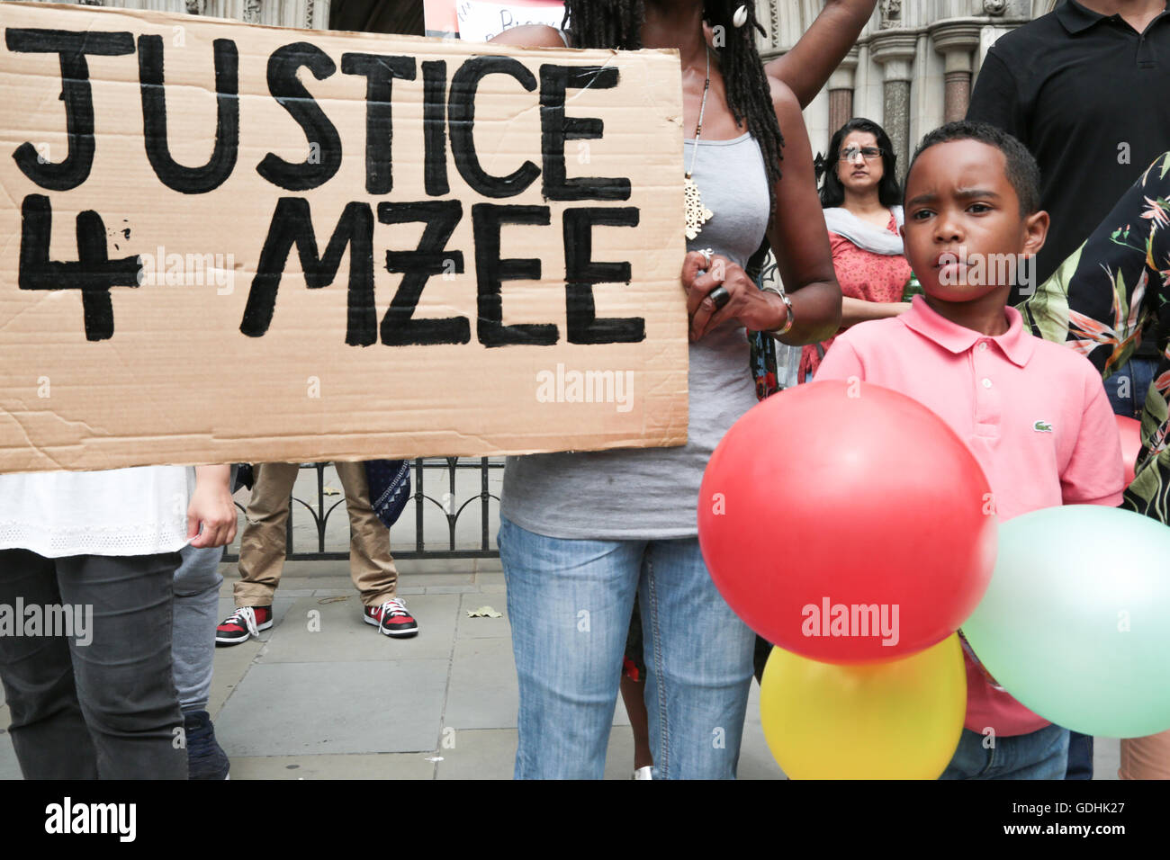 London, UK. 17th July, 2016. People with banners and placards march from oxford circus to the offices of The Independent - Stock Image