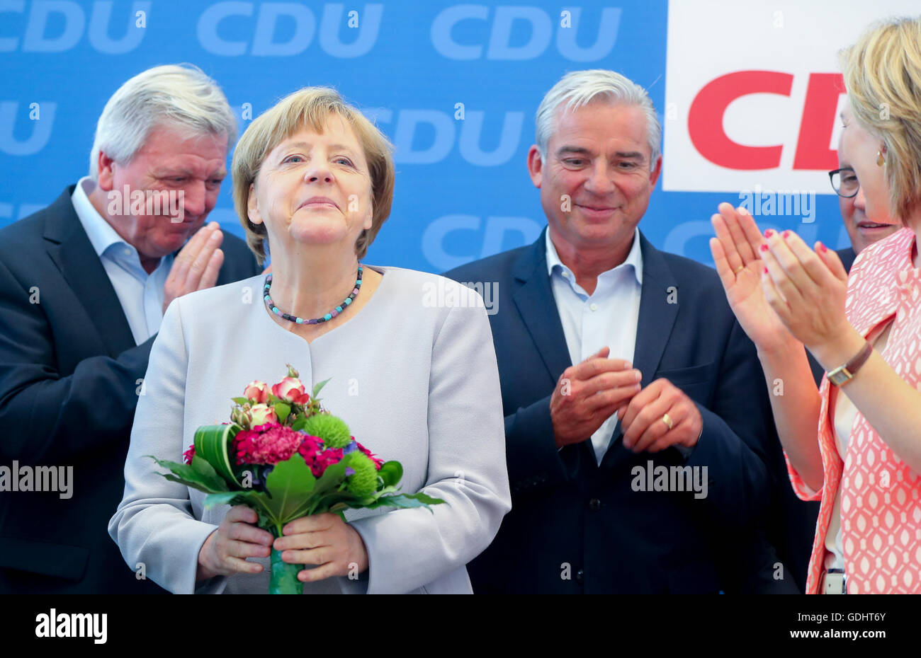 Berlin, Germany. 18th July, 2016. Hessian State Premier Volker Bouffier (L), State Interior Minister of Baden-Wuerttemberg - Stock Image