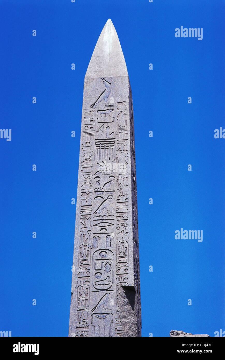 geography / travel, Egypt, Karnak, Amun Temple, obelisk of King Thutmose I (18th dynasty), detail, top, - Stock Image