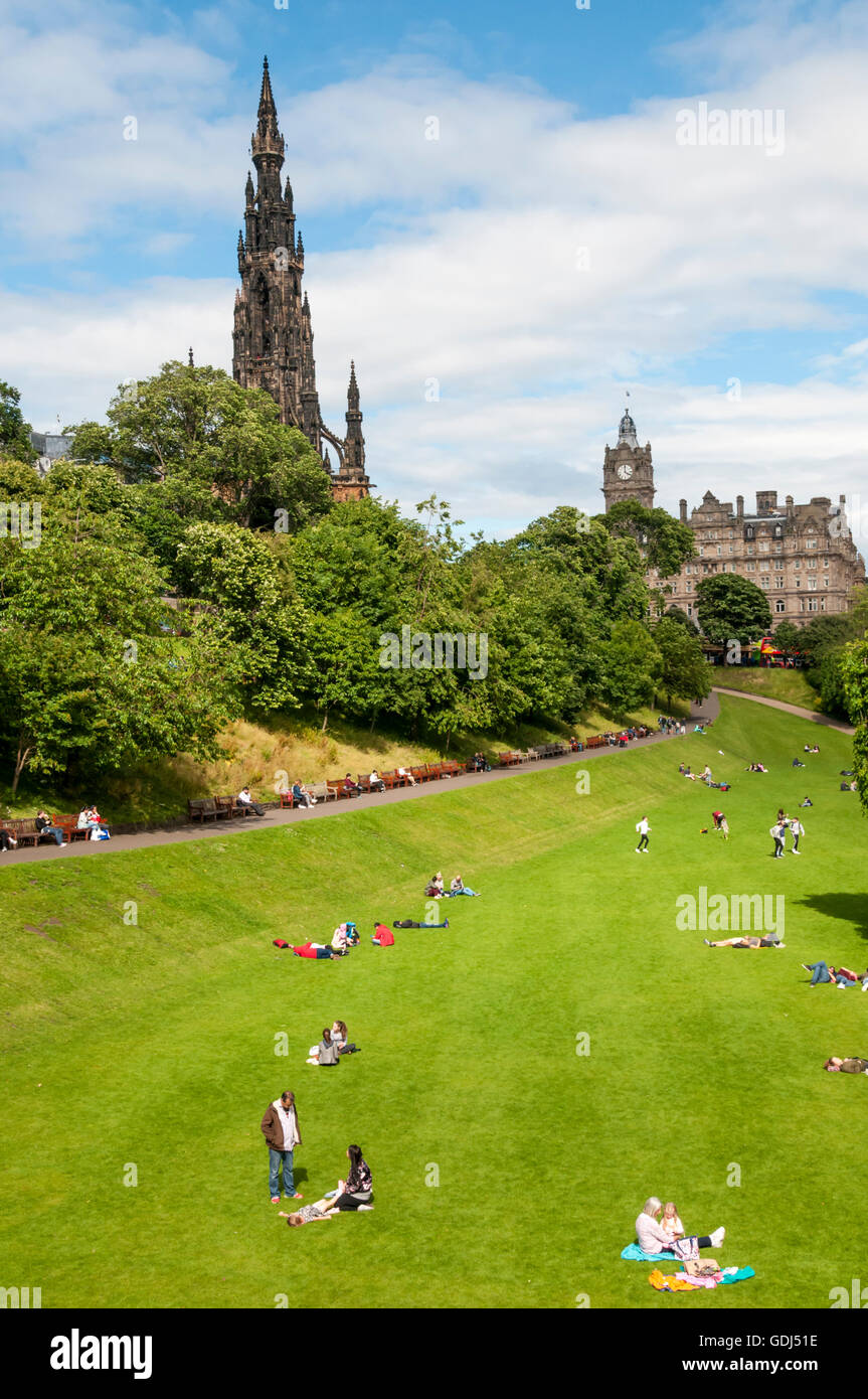 East Princes Street Gardens in Edinburgh, Scotland with Scott Monument on left and Balmoral Hotel in background. - Stock Image