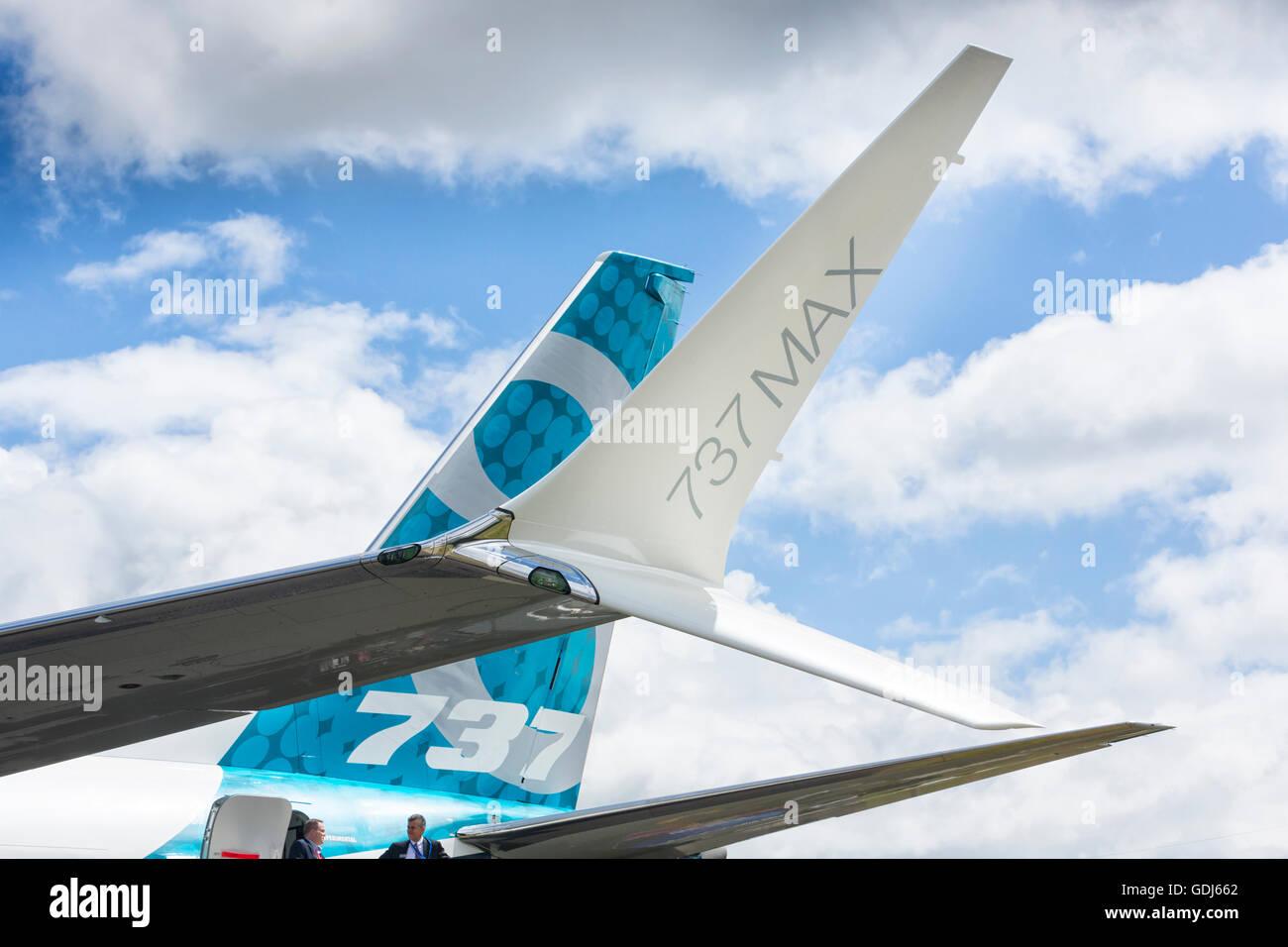Boeing 737 MAX split tip winglet. Farnbourgh 2016 - Stock Image