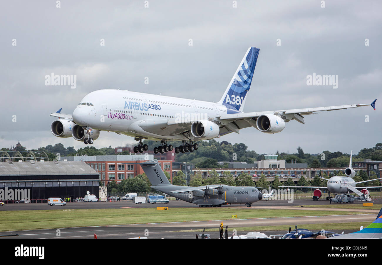 Airbus A380 ans A400 - Stock Image
