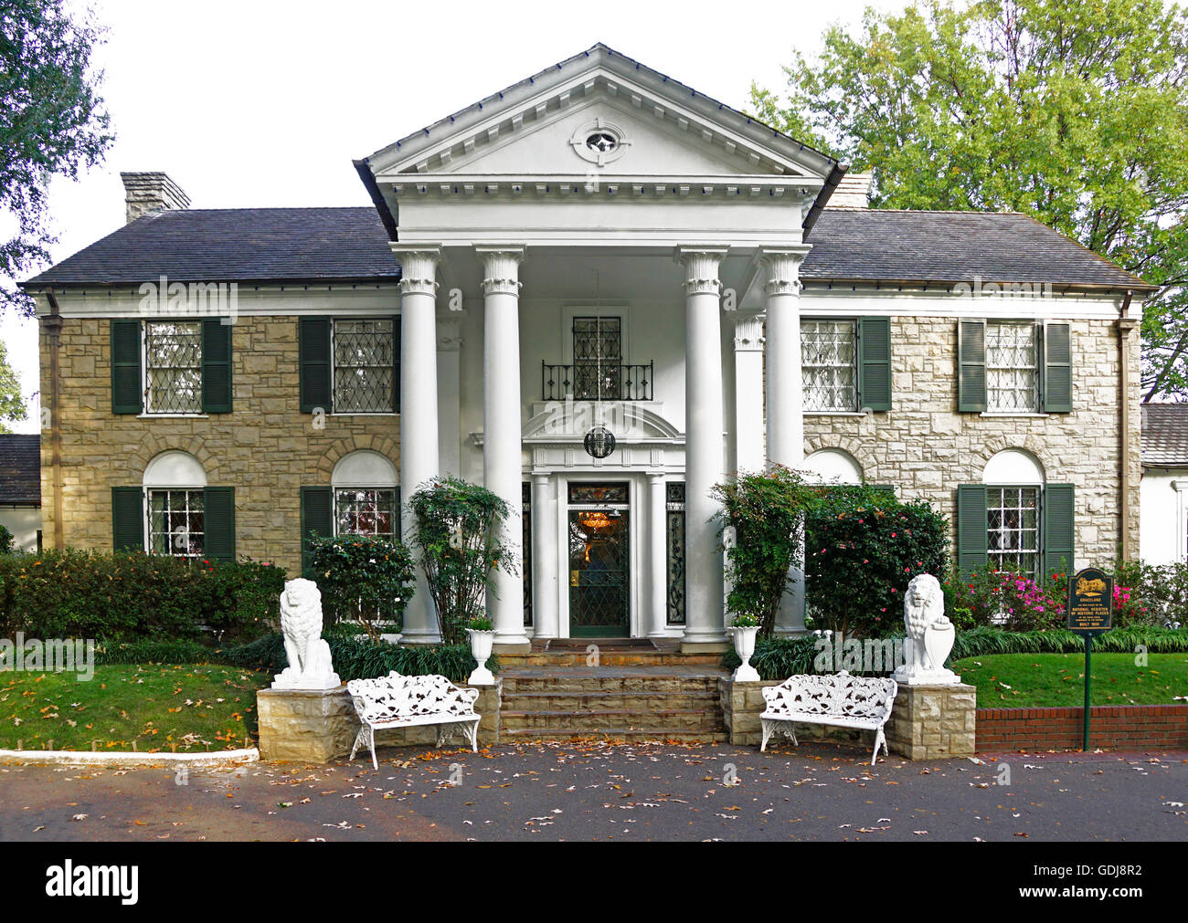 Elvis Presley's home, Graceland, in Memphis, Tennessee. - Stock Image