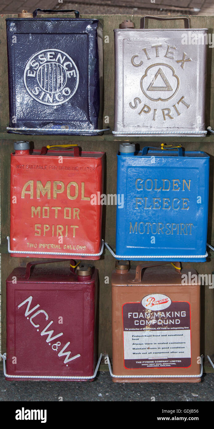 Garage SHELL MOTOR SPIRIT Vintage Style Petrol Fuel Jerry Can Automobilia