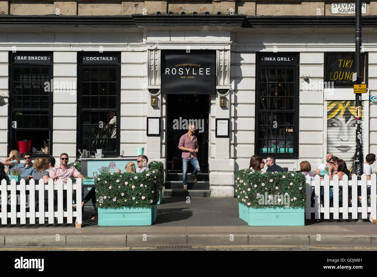 People Sit Outside Enjoying The Beer Garden Of Rosylee Bar And Stock Photo:  111663777   Alamy