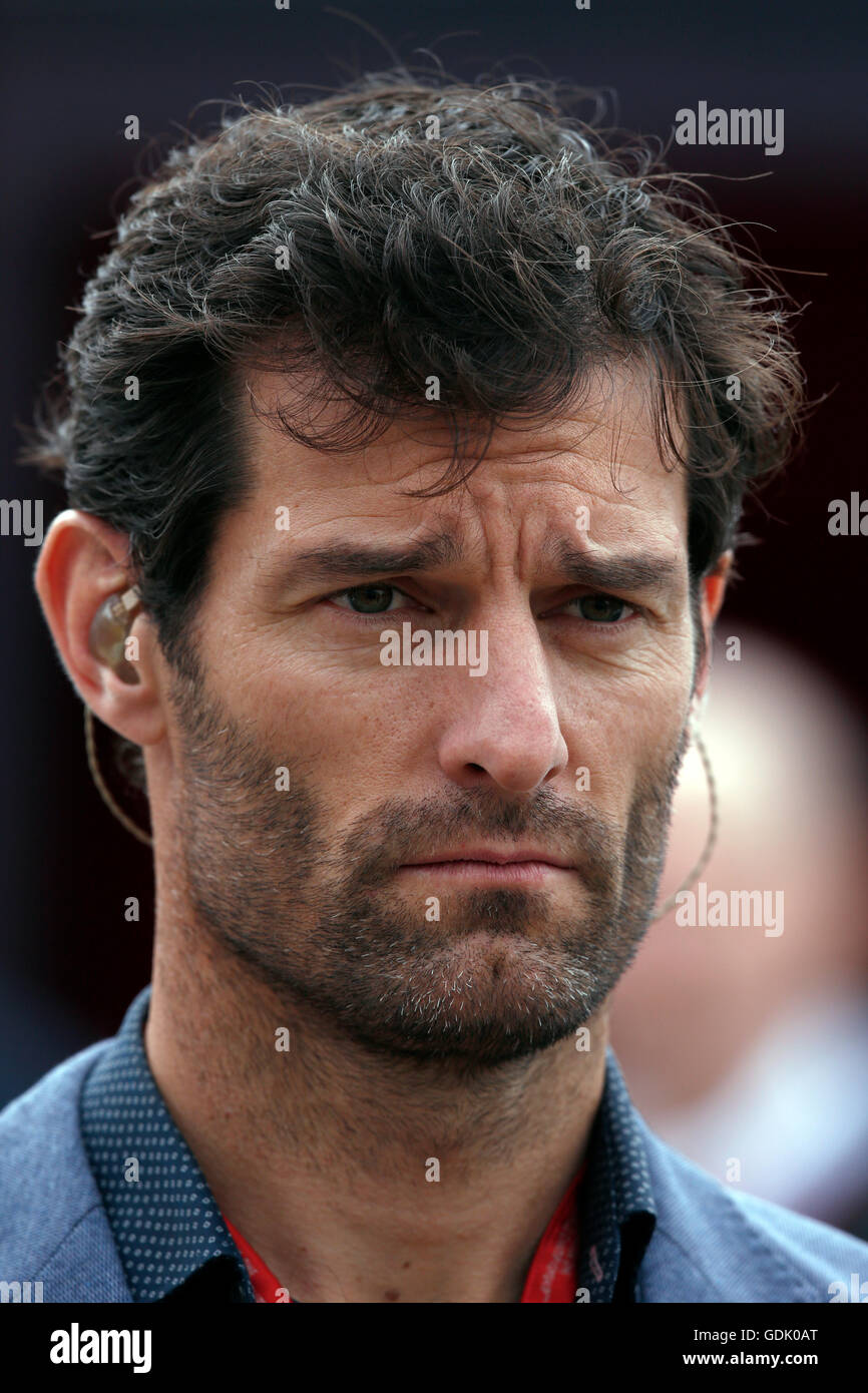 Racing driver Mark Webber presents Channel 4 television coverage of the Formula One race at Silverstone Stock Photo