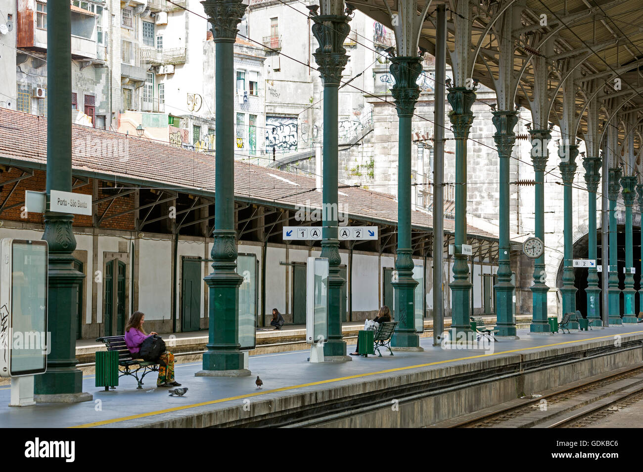 Sao Bento Station Porto, platform, railroad, green cast-iron columns, Porto, District of Porto, Portugal, Europe, - Stock Image