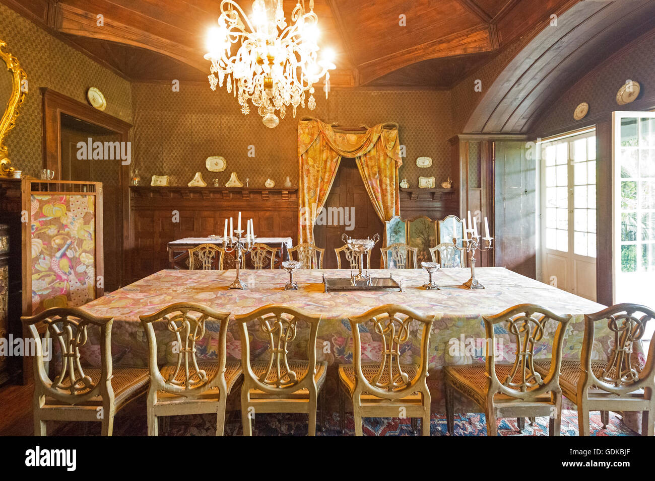 Salon, dining table, Casa de Sezim, chandeliers, Camporeal vineyard in the Minho, the Garden of Portugal, Nespereira, - Stock Image